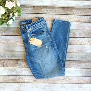 New American Eagle Short Stretch Distressed Jeans